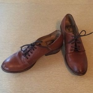 Frye Carson oxford cognac leather size 7